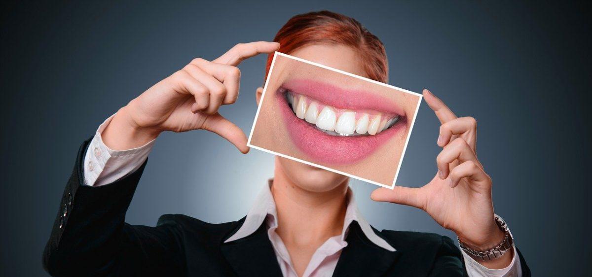 Unsichtbare Zahnschienen – was können sie und was nicht?